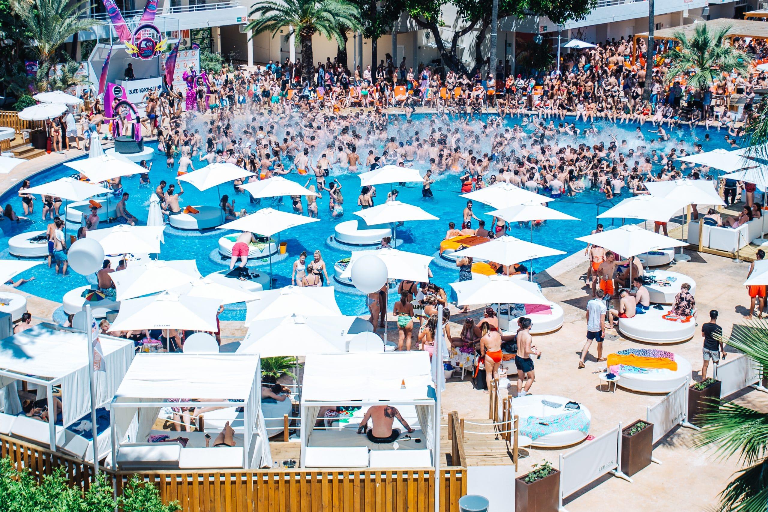 HI- res Kiss FM Pool Party 09.07.17 – no watermark-42