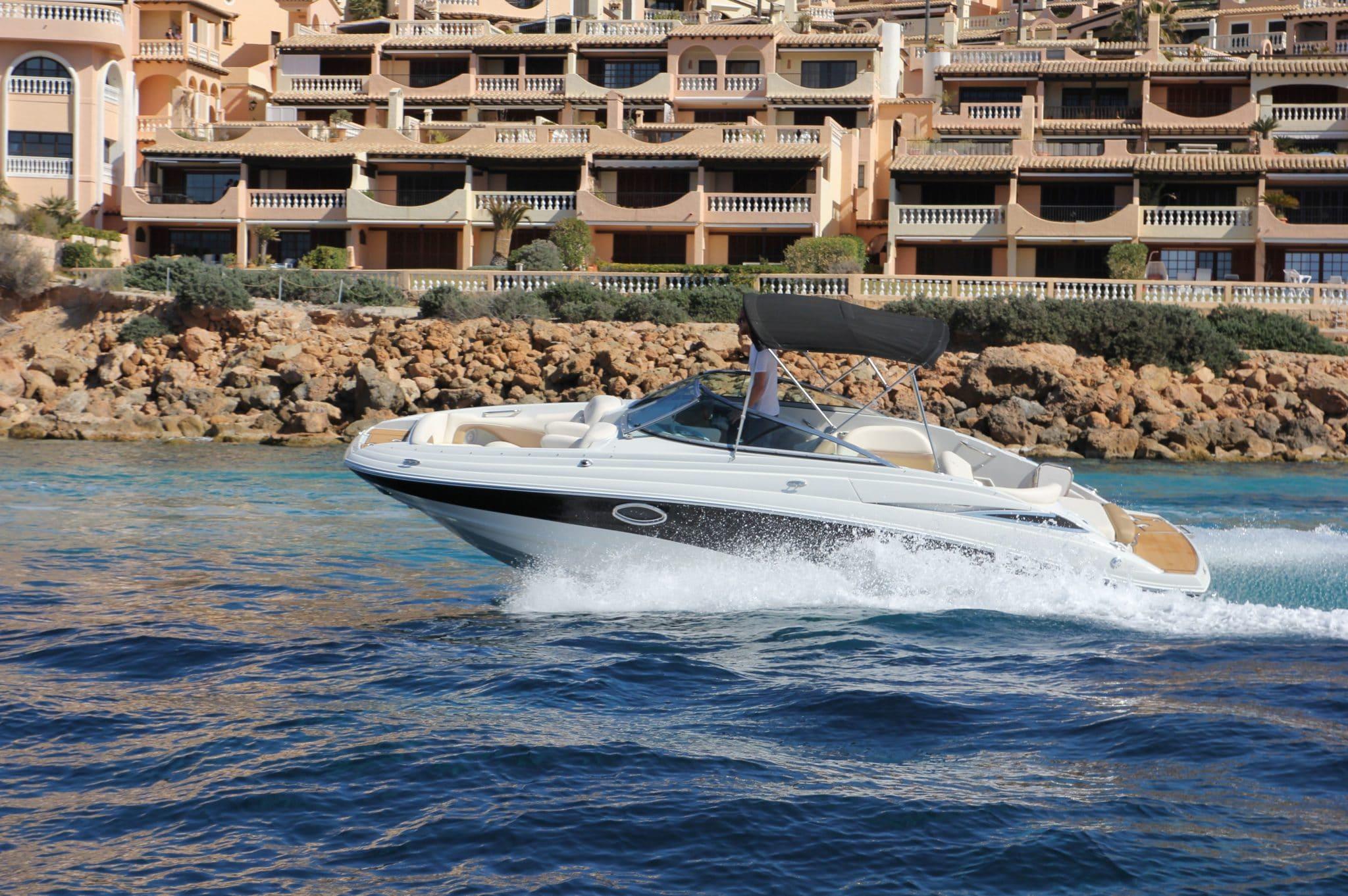 Motorboot_CrownlineE4_24ft_1-2048×1362