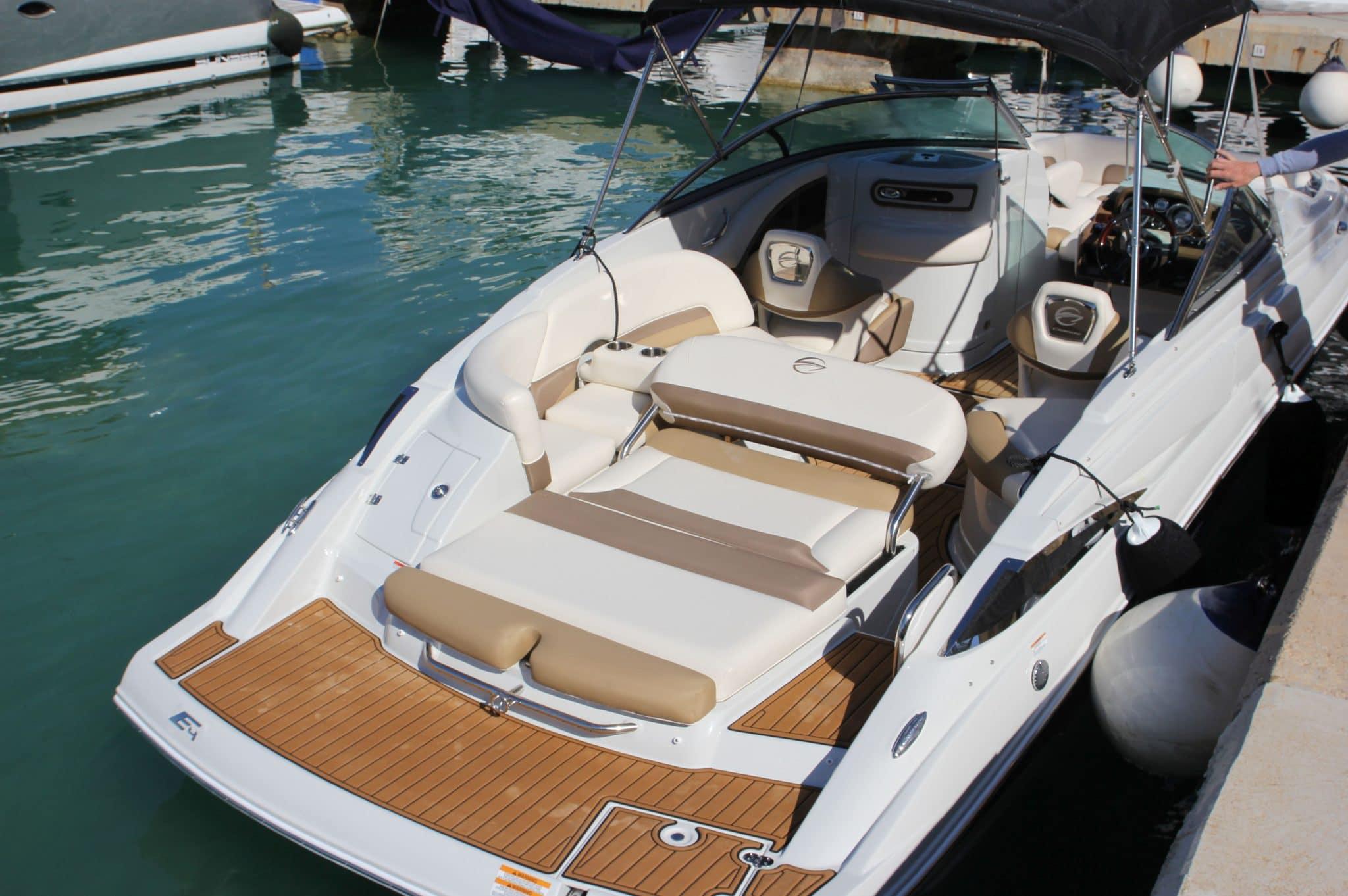Motorboot_CrownlineE4_24ft_2-2048×1362