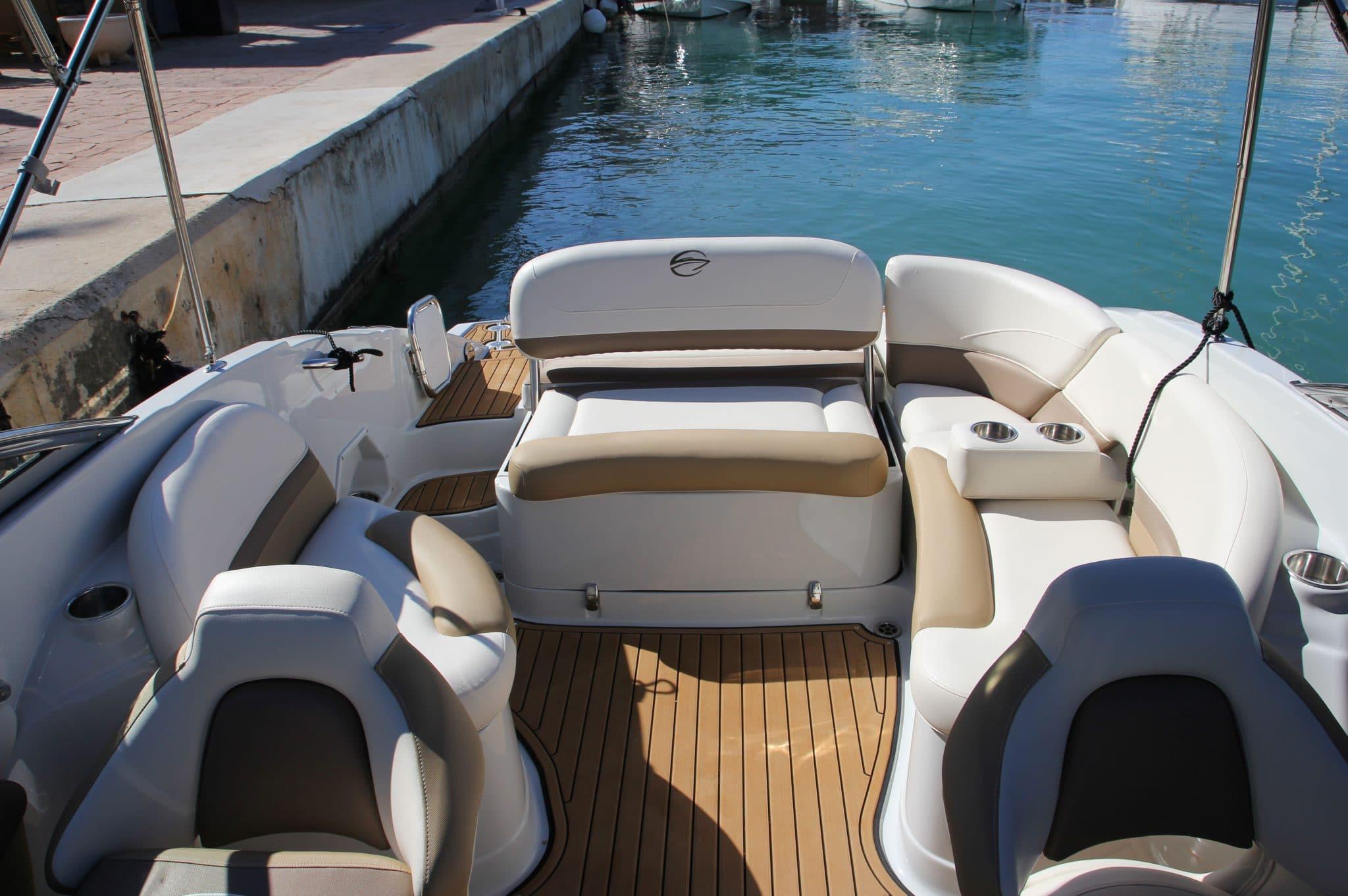 Motorboot_CrownlineE4_24ft_4-2048×1362