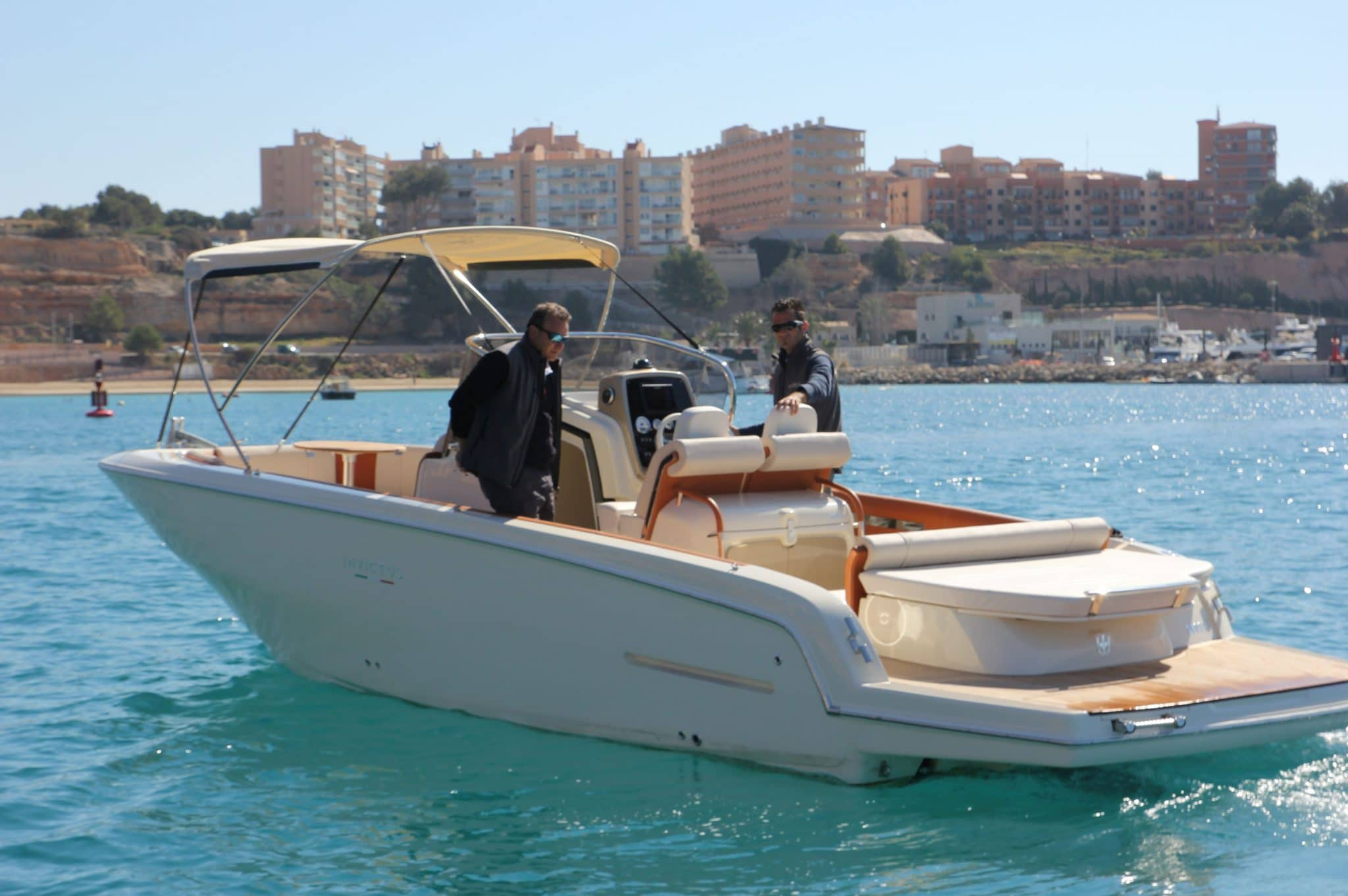 Motorboot_Invictus280FX_6-2048×1362