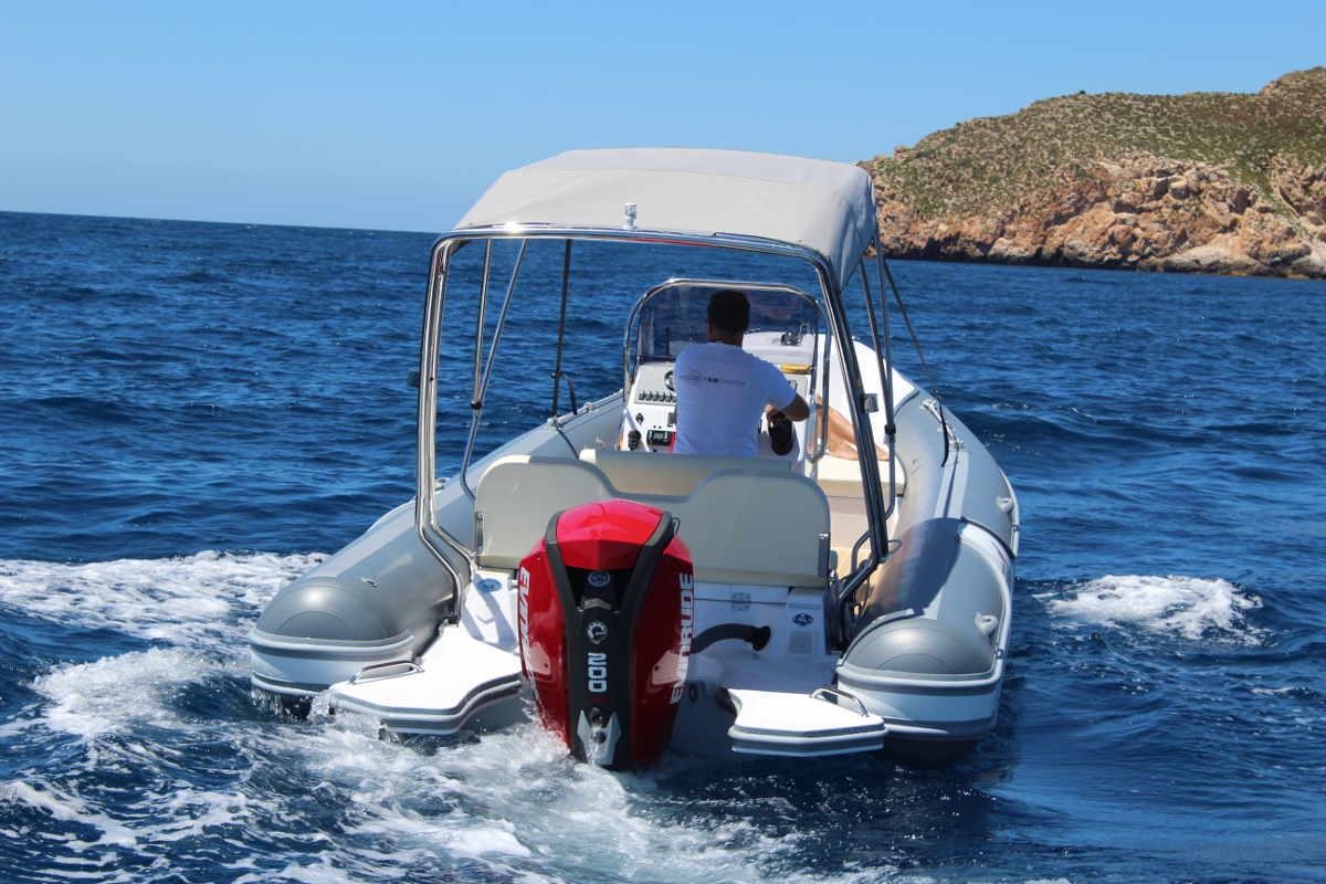 rib-motor-boat-for-rent-port-adriano-mallorca-2