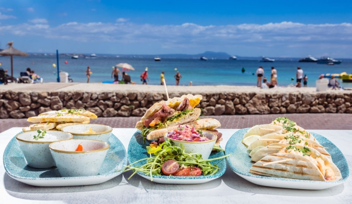 09-BARBUDA-BEACH-FOOD
