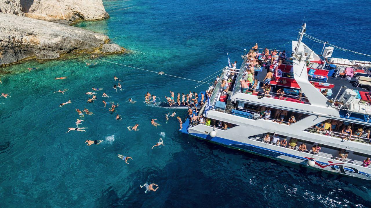 vvip-zante-boat-party9
