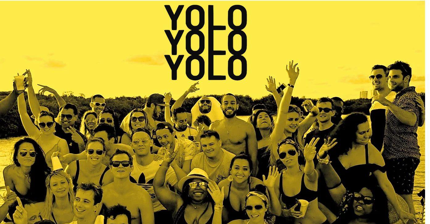 yolo-booze-cruise-cancun4