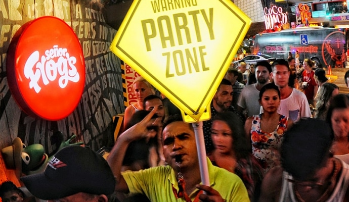 cancun party zone