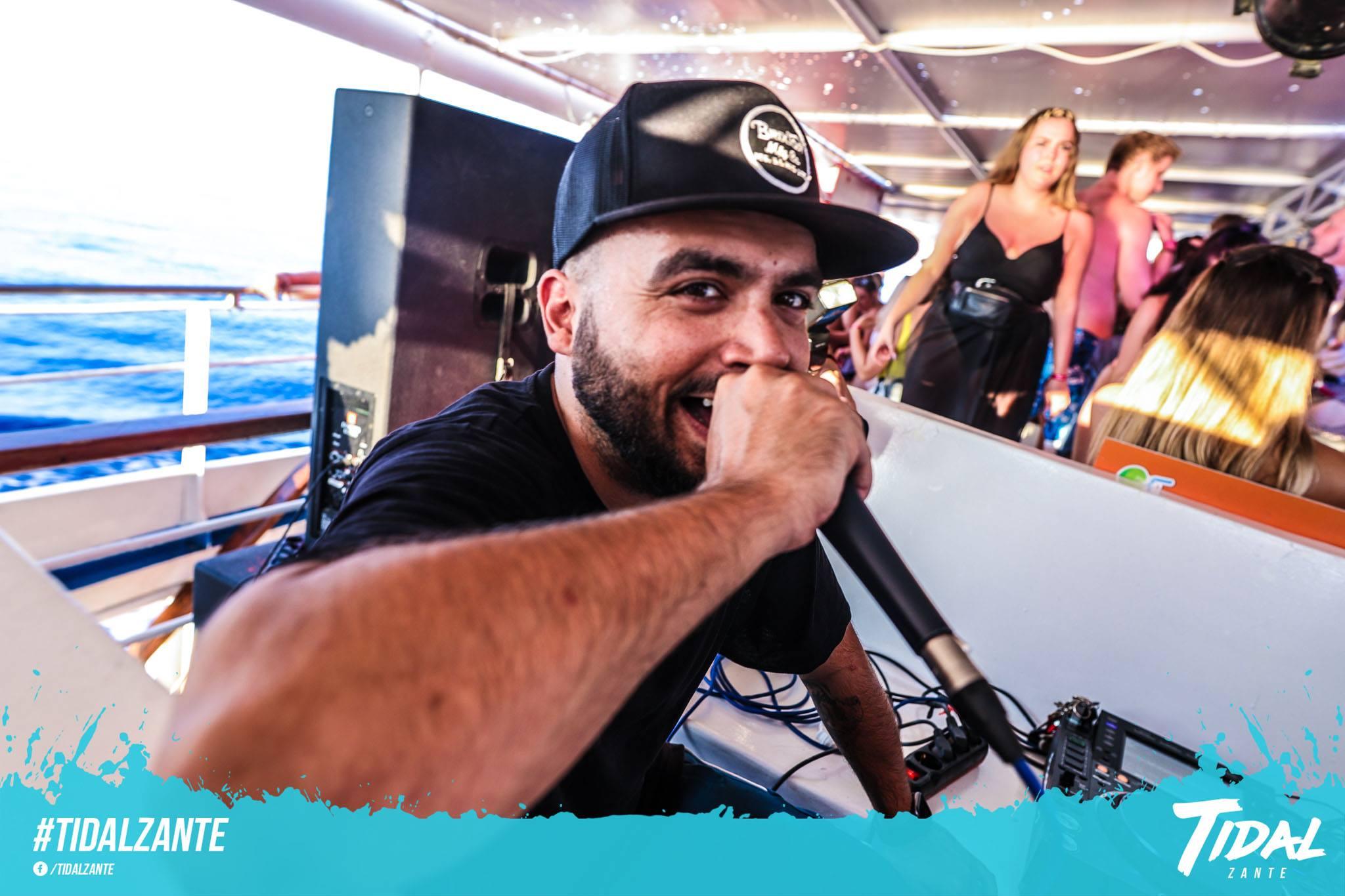 tidal-boat-party-zante