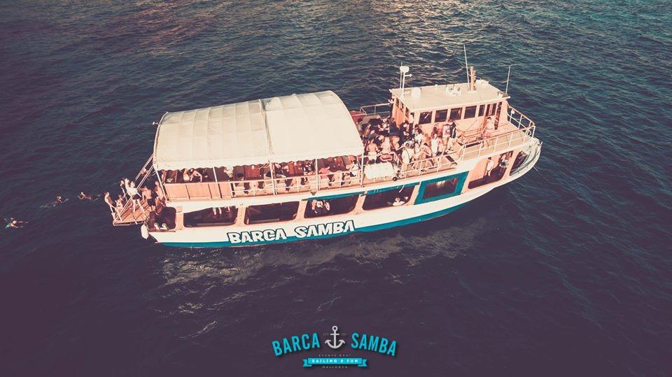 barco-fiesta-en-barco-mallorca-1